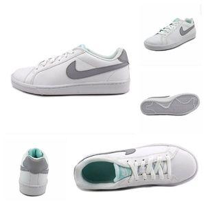 Nike Court Majestic Sneakers
